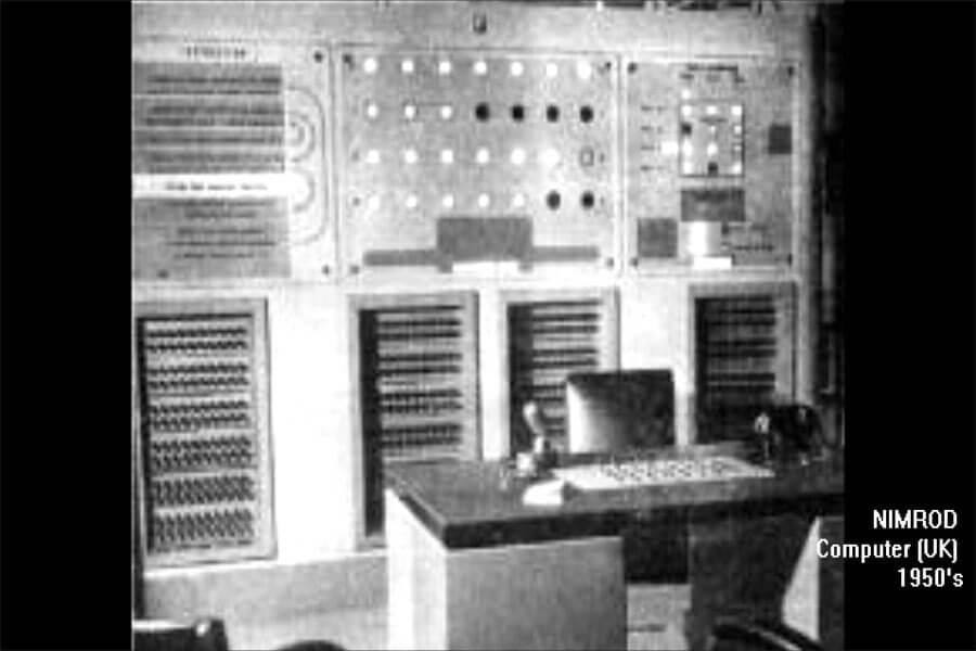 Máy chơi game đầu tiên 1951